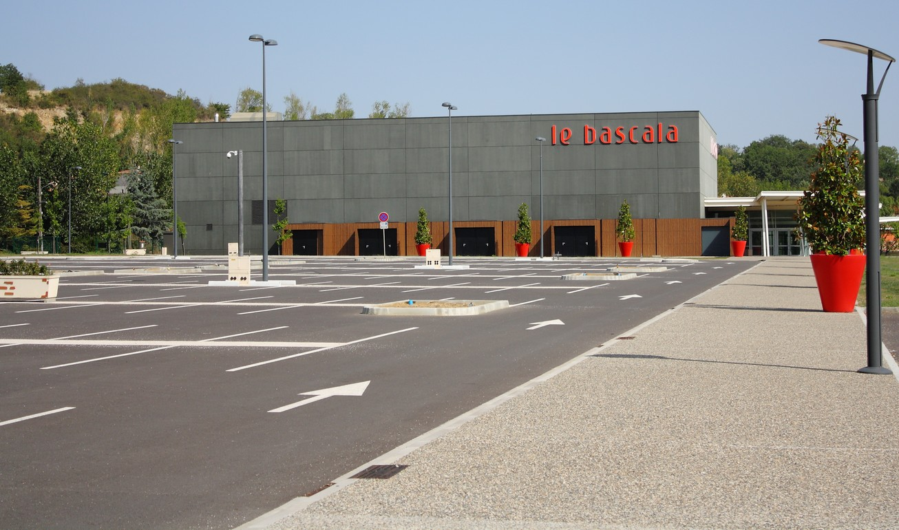 Bascala ext parking
